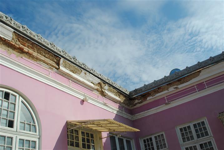 Omenia - Gehavende gebouw van Omenia